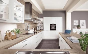 Nobilia Credo Alpinweiß Landhausküche in U-Form mit hoch eingbauter Backofen