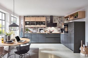 Nobilia Flash Schiefergrau Hochglanz moderne grifflose Winkelküche kombiniert mit Riva Eiche Somerset Nachbildung