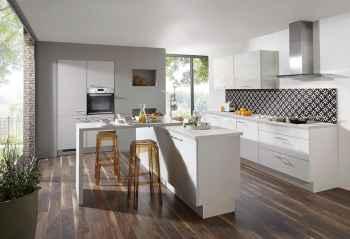 Nobilia Laser Seidengrau moderne Küche mit Kochinsel und Theke
