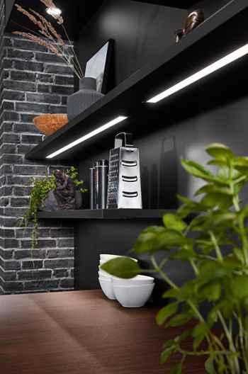 Nobilia Riva Nussbaum Nachbildung integrierte LED-Lichtleisten