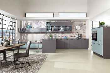 Nobilia Touch Schiefergrau supermatt offene Wohnküche kombiniert mit Aqua supermatt