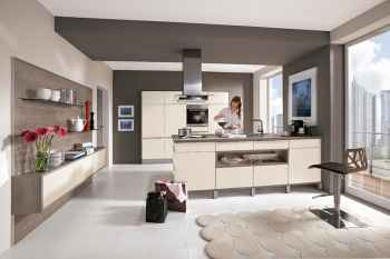 Nobilia Touch Magnolia supermatt offene Küchenplanung mit Spül- und Kochinsel