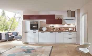 Nobilia Touch Alpinweiß supermatt Küchenzeile kombiniert mit Easytouch Rostrot ultramatt