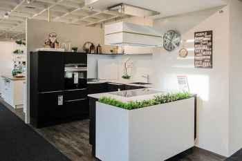 Oster Küche Country Oak Alteiche massiv Arbeitsplatte aus Glas Weiß matt Koje 35
